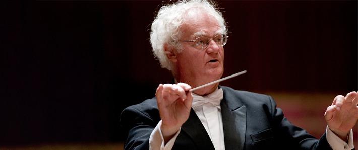 Richard Gill conducting